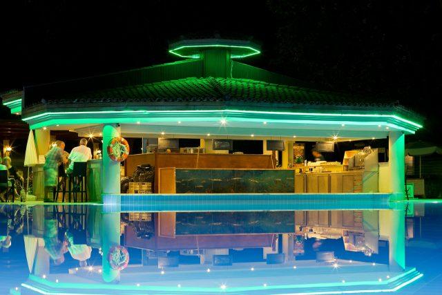 piscine sur une terrasse en plein air à barcelone