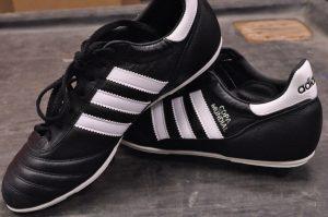 chaussure de sport noires