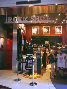 Le Rock Shop, au rez-de-chaussée du Hard Rock Cafe Barcelona