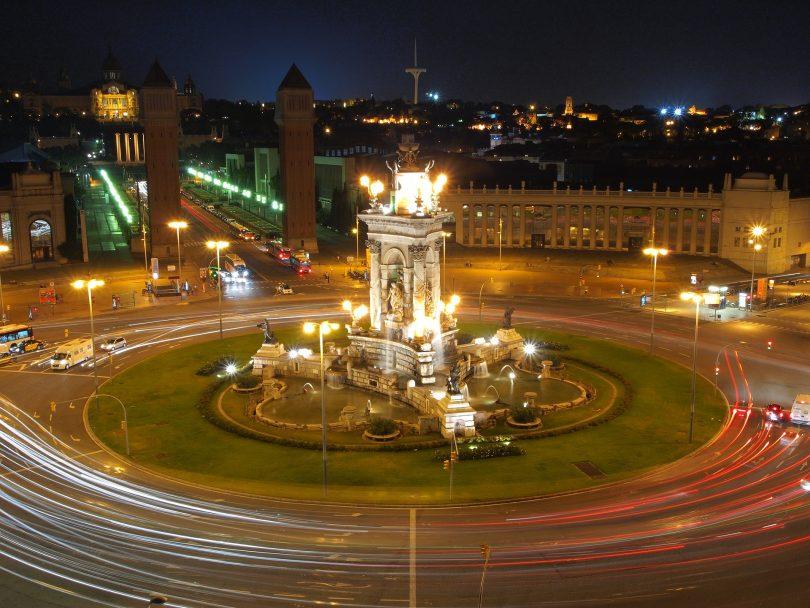 place espagne barcelone la nuit