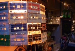 Le Cassette Bar. www.inandoutbarcelona.net