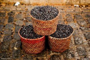 açaí-bowl-healthy-brunch-breakfast-berry