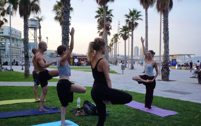 yoga beach barcelona