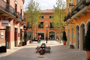 La Roca Outlet
