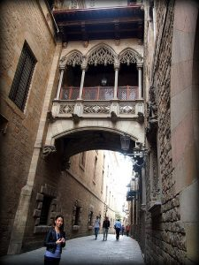 pont du quartier gothique barcelone