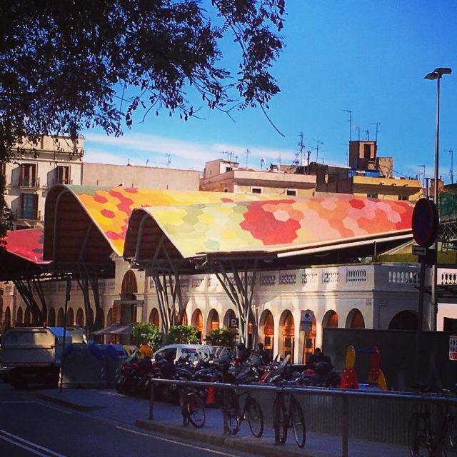 El mercadeo de Santa Caterina y su arquitectura espectacular barcelonahellip