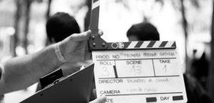 main tenant un clap de tournage