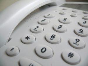 touches de téléphone blanc