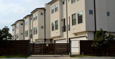 bloc de logements avec barriere