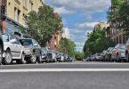 rue de ville avec voitures