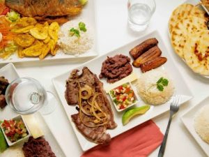 Plats de nourriture hondurienne.