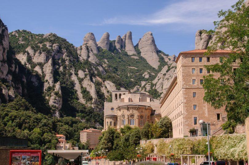 abbaye dans les montagnes de barcelone