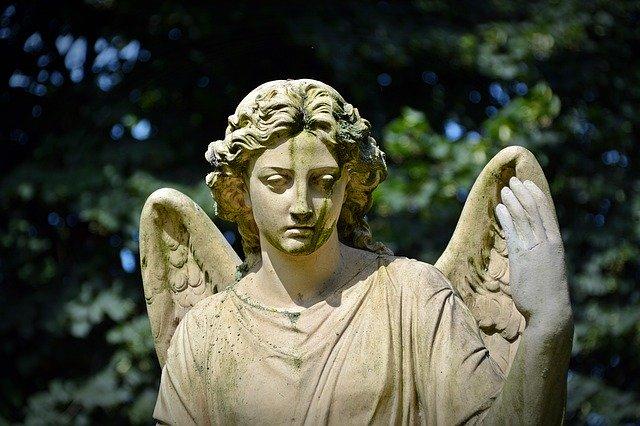 femme statue