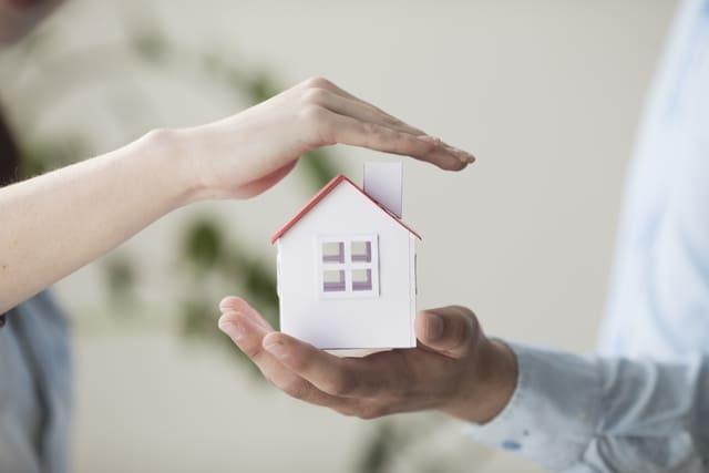 maison entre deux mains | assurance vol