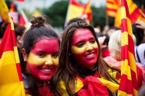 Màu Cờ Việt Nam Catalans